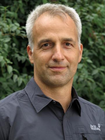 Dr. Frank Seeliger